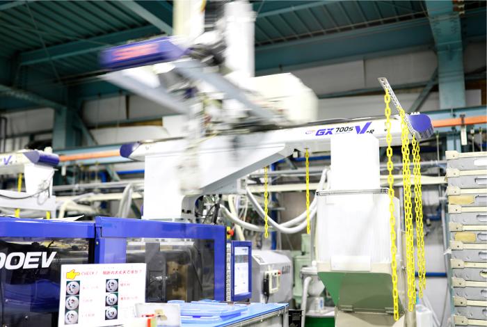 2部門体制で、高度なエンジニアリングプラスチックを安定して生産